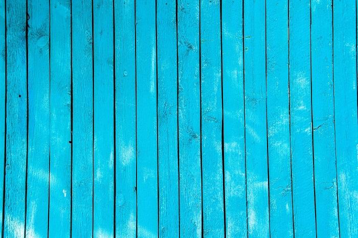 Odvážna farba na drevo exterier